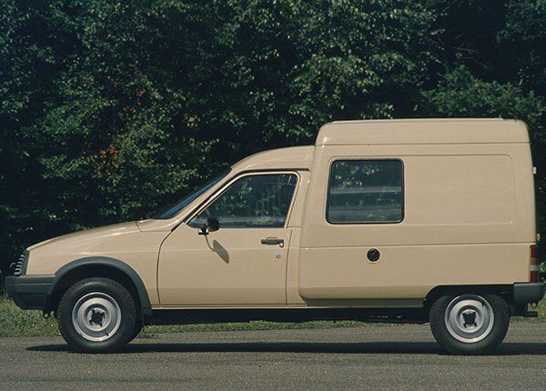 03_histoire_vehiculesutilitaires_camionnettes_capture